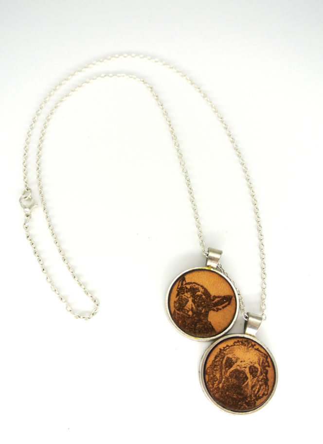 photo engrave necklace example